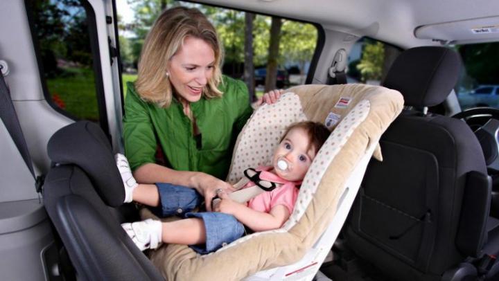 Uimitor! A fost creat un senzor care îi salvează de la moarte pe copii uitați în mașini