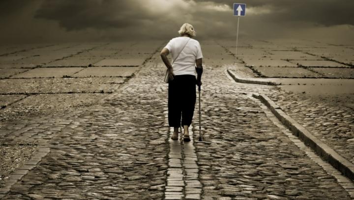 STUDIU: Singurătatea şi izolarea socială pot provoca moartea mult mai rapid decât obezitatea