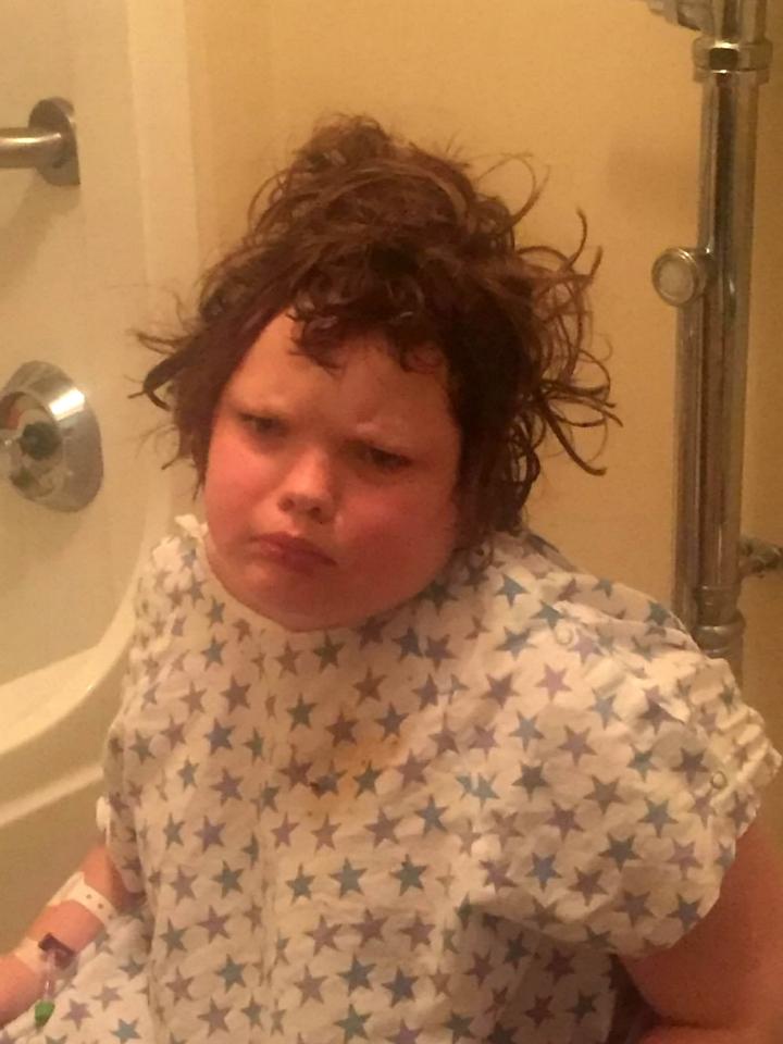 Drama unei fete de 10 ani. Suferă de o boală rară, din cauza căreia doarme peste 20 de ore pe zi