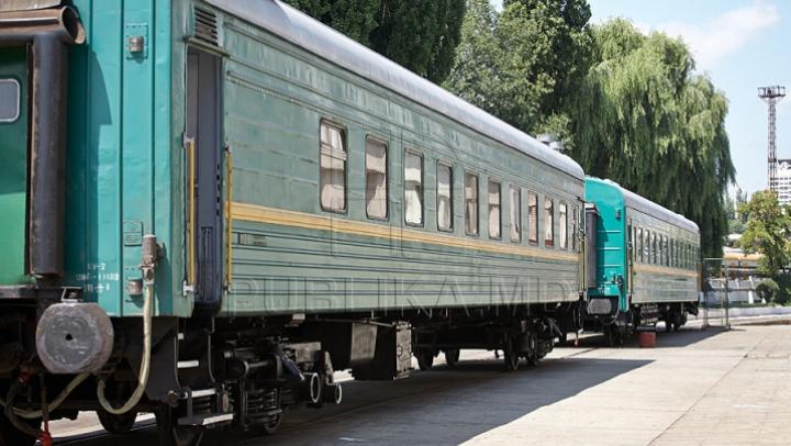 TRAGEDIE! Un copil a murit electrocutat în timp ce se urca pe vagonul unui tren