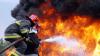 Incendiul din Viniţa a fost localizat. Interdicţia cu privire la survolarea spaţiului aerian din regiune, prelungită până în data de 1 octombrie