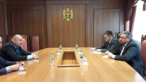 Andrei Galbur a avut o întrevedere cu ambasadorul Republicii Slovace în Republica Moldova, Robert Kirnag