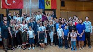 Preşedintele Parlamentului, Andrian Candu, s-a întâlnit cu moldovenii stabiliţi la Ankara (FOTO)