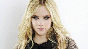 Avril Lavigne, cea mai periculoasă celebritate din 2017 conform sondajului companiei de software pentru securitate cibernetică McAfee