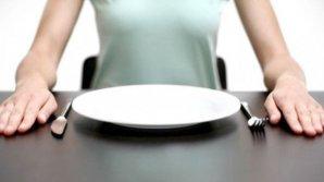 Bine de ştiut! Cinci lucruri interzise pe stomacul gol. Îţi pot afecta grav sănătatea