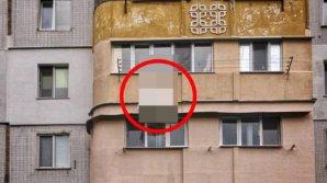 În Moldova poți vedea orice! Ce a atârnat la balcon o femeie din Chișinău