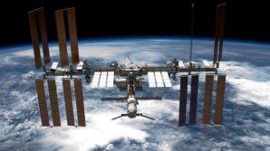 Alertă pe ISS. Astronauții au primit ordin să intre într-un refugiu din interiorul platformei orbitale