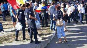"""Năstase i-a numit """"criminali în uniformă"""" pe polițiștii care au împărțit apă protestatrilor """"DA"""""""
