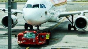 ALERTĂ pe aeroportul Charles de Gaulle din Paris. Un avion, evacuat înainte de decolare. A fost înconjurat de poliţie şi pompieri