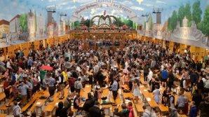 PUBLIKA WORLD: Berea curge gârlă la Munchen. Vizitatorii, încântați de atmosfera de la Oktoberfest (VIDEO)