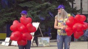 Acțiune caritabilă în Bălți! Locuitorii orașului au donat pentru tratamentul unei fetițe diagnosticate cu tumoare la cap
