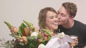 Cea mai inedită cerere în căsătorie! Nici prin cap nu-ţi trece cum şi-a surprins un tânăr iubita