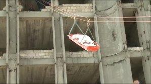 Cutremur urmat de o scurgere de substanţe toxice. Cum s-au descurcat salvatorii moldoveni (VIDEO)