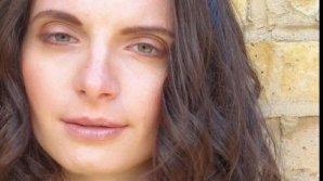 Fosta iubită a unui cunoscut artist internațional, arestată pentru crimă