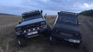 """Vuiet de motoare şi adrenalină la Campionatul Naţional """"Jeep Trial Cross"""""""