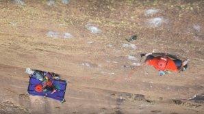 Sasha DiGiulian şi Edu Marin au reuşit cu succes să ajungă pe masivul Tsaranoro din Madagascar
