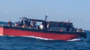 Navă cu migranţi interceptată în apropierea Mării Negre. Printre cele 87 de persoane de la bord, 23 erau copii