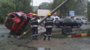 ACCIDENT la Bălți: Un taximetrist beat criță a băgat în spital un client