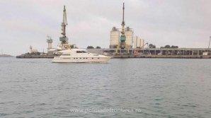 Contrabandă pe mare. Ţigări în valoare de 2,5 milioane de roni, aduse în România cu iahtul