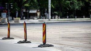Asfaltul proaspăt turnat pe bulevardul Ştefan cel Mare din Capitală a început deja să cedeze