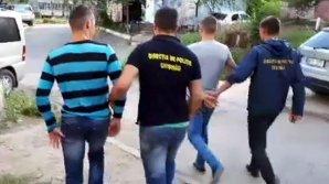 Clipe de coşmar! Trei tineri au fost atacaţi şi jefuiţi în toiul nopţii de necunoscuți