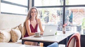 Cum a reuşit o tânără de 23 de ani să câștige sute de mii de dolari pe an