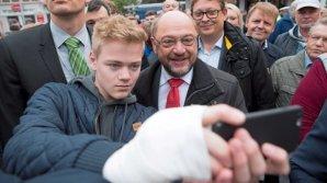 Alegeri legislative în Germania. Martin Schulz a votat împreună cu soţia sa în localitatea Wuerselen