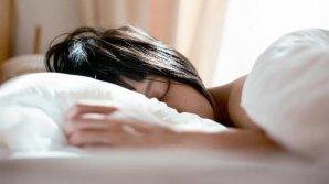 Bine de știut! Șase greşeli de evitat la culcare ca să nu te îngraşi