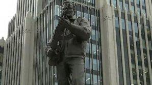 MOTIVUL pentru care statuia lui Kalașnikov a fost modificată la nicio săptămână de la inaugurare