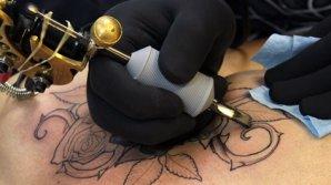 Ai tatuaj sau ai vrea să îţi faci unul? Află care sunt efectele negative ale cernelii asupra organismului