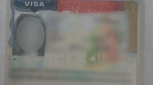 O moldoveancă vroia să plece din ţară cu o viză de SUA falsă. Ce a declarat tânăra când a fost prinsă