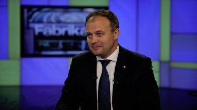 Preşedintele Parlamentului, Andrian Candu, este invitatul special al emisiunii Fabrika. Ce subiecte vor fi abordate