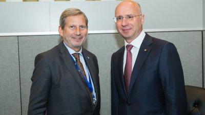 Agenda europeană a Republicii Moldova, discutată de Premierul Pavel Filip și Comisarul Johannes Hahn