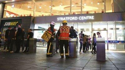 Atac cu ACID la Londra! Cinci oameni, transportaţi de urgenţă la spital. Un suspect a fost reţinut