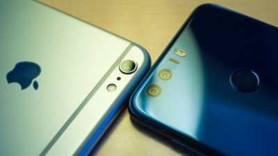 Compania Apple, persiflată de producătorul chinez de smartphone-uri Huawei