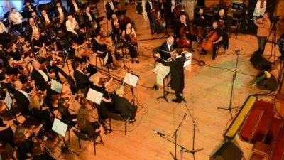 Concert de zile mari la Soroca! Sute de oameni au venit să-l asculte pe maestrul Eugen Doga