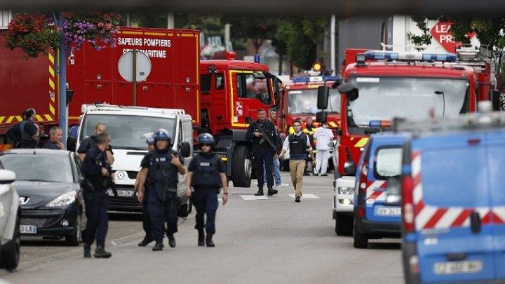 Explozibili pe bază de TATP, utilizaţi de ISIS în atentate, au fost descoperiţi într-o suburbie a Parisului