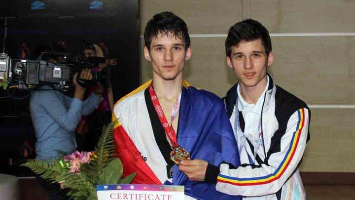 Fraţii Stepan şi Vadim Dimitrov, acuză Federaţia Moldovei de Taekwondo de incompetenţă