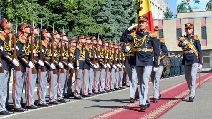 Prim-ministrul Pavel Filip a felicitat militarii cu ocazia Zilei Armatei Naţionale