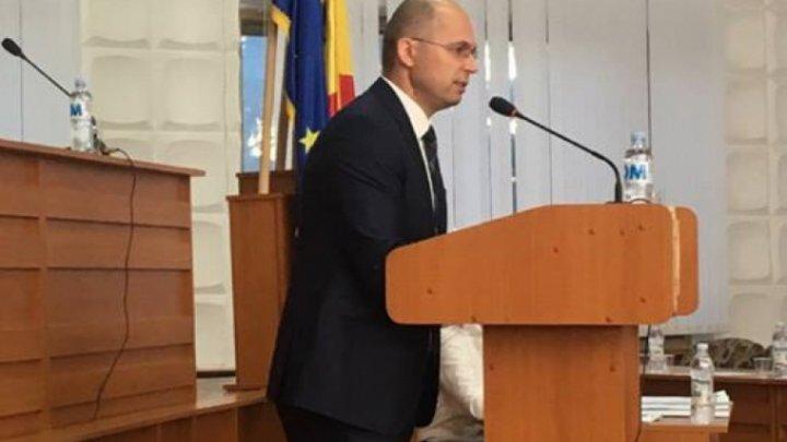 Democratul Ghenadie Verdeş a fost ales preşedinte al raionului Nisporeni