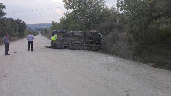 În ultimele 24 de ore, în ţară s-au produs 30 de accidente rutiere, dintre care două sunt grave