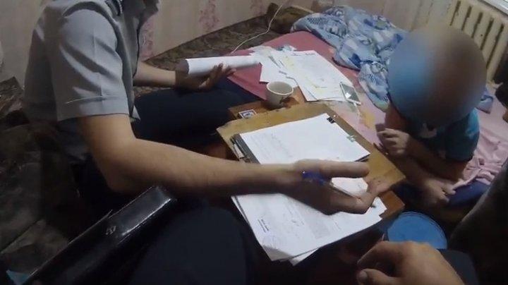 Percheziții la domiciliul unui bărbat din Ştefan Vodă, bănuit de perfectarea documentelor false
