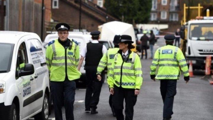 Alertă în Marea Britanie: Mai multe persoane, înjunghiate pe stradă