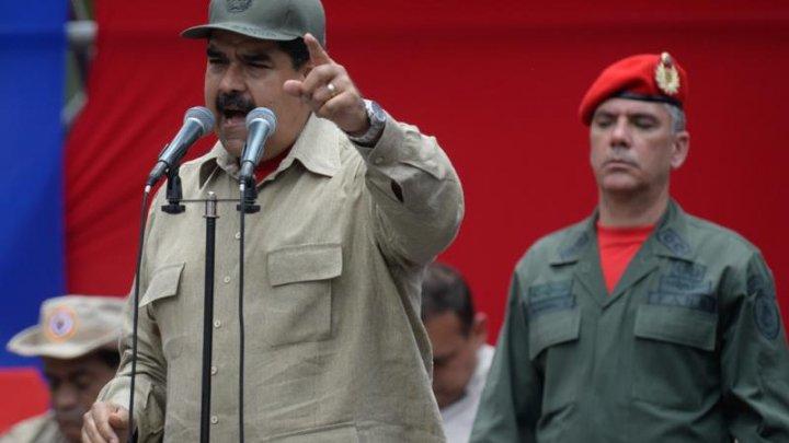 """Președintele Venezuelei cere armatei să pregătească """"puștile și rachetele"""" pentru a apăra țara de SUA"""