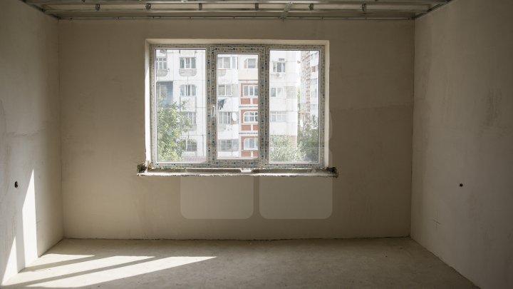Peste 70 de familii vor beneficia de apartamente sociale în oraşul Rezina (FOTOREPORT)
