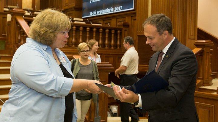 Andrian Candu a primit de la ambasadorii prieteniei din Dayton o scrisoare de mulțumire adresată Republicii Moldova