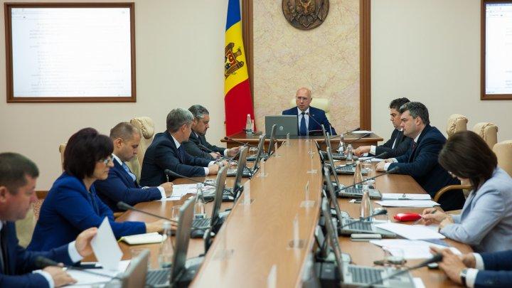 Guvernul fortifică cadrul legal de supraveghere a sectorului financiar-bancar
