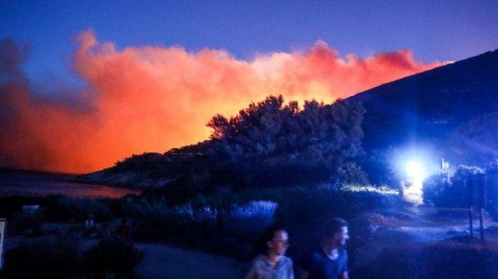 Incendii de vegetaţie în Franţa. Cel puţin 80 de persoane au fost evacuate