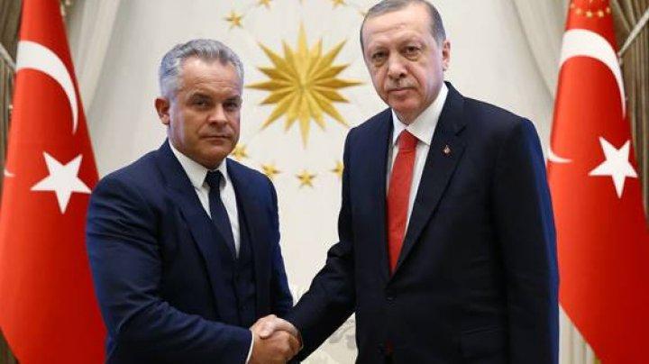 Vlad Plahotniuc s-a întâlnit cu Recep Erdoğan. Preşedintele PDM a efectuat o vizită de lucru în Turcia