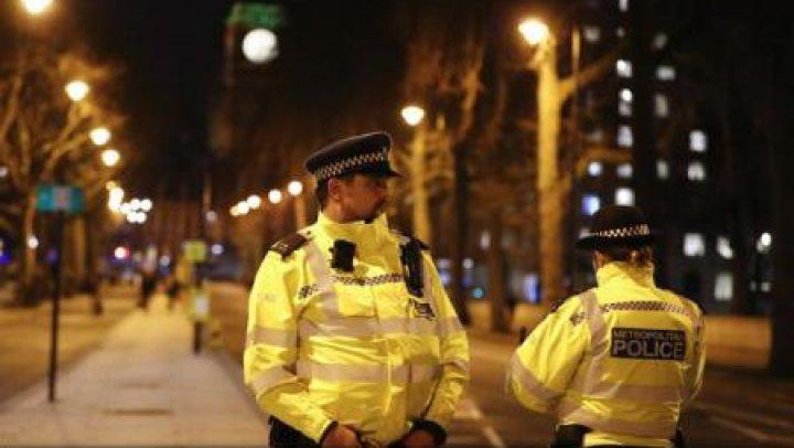 Patru membri ai grupării neo-naziste National Action au fost prinşi de către poliţia britanică